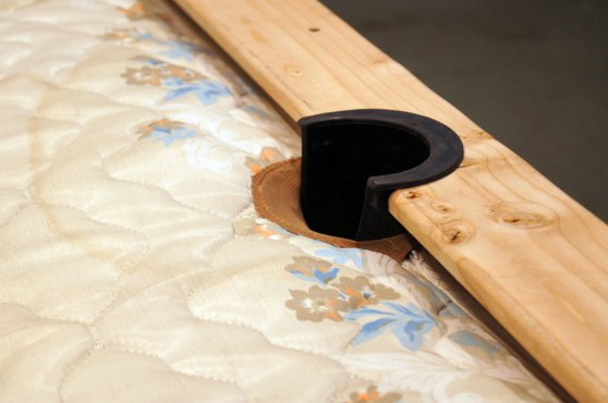 detail: nylon-lined rubber side pocket